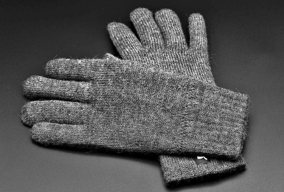 Why Woolen Gloves Are An Essential One?