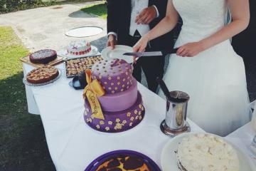 5 Romantic Anniversary Cake Ideas To Woo Your Partner